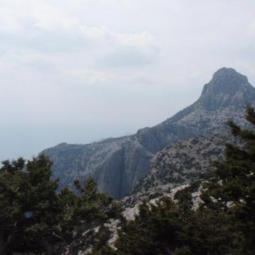 Η κορυφή του Κόφινα, σύμβολο για ολόκληρη την περιοχή των Αστερουσίων.