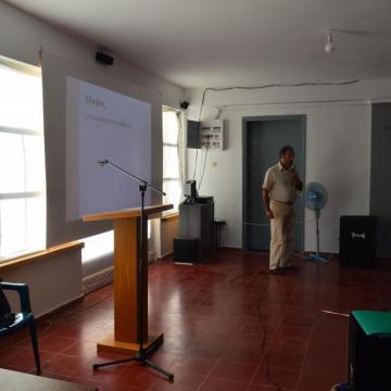 Ο κος. Βλοντάκης στην ομιλία του για την προστασία των φυσικών πόρων και την ορθή εκμετάλλευση της γης, Αλίκαμπος