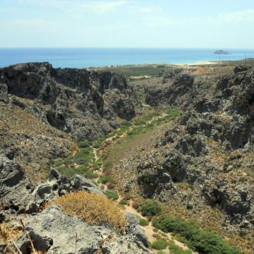 Xerokambos gorge and beach