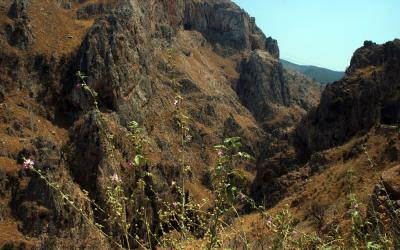 The entrance of Topolia gorge